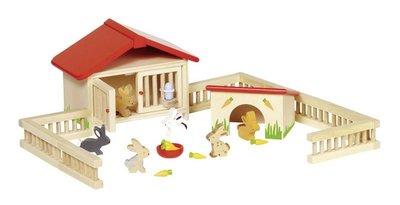 Goki - Houten poppenhuis konijnenren met konijnen en wortelen